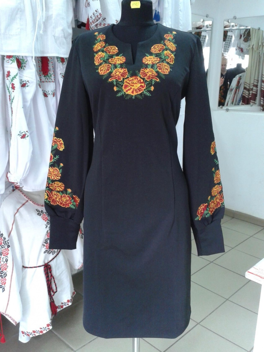 Плаття Чорнобривці чорне   Вишиванки e29e0e92f8364